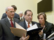 Peter Welch Bill Would Take Back Pharmaceutical Giveaway