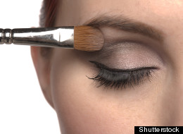 How to Do Smokey Eyes Halloween Style