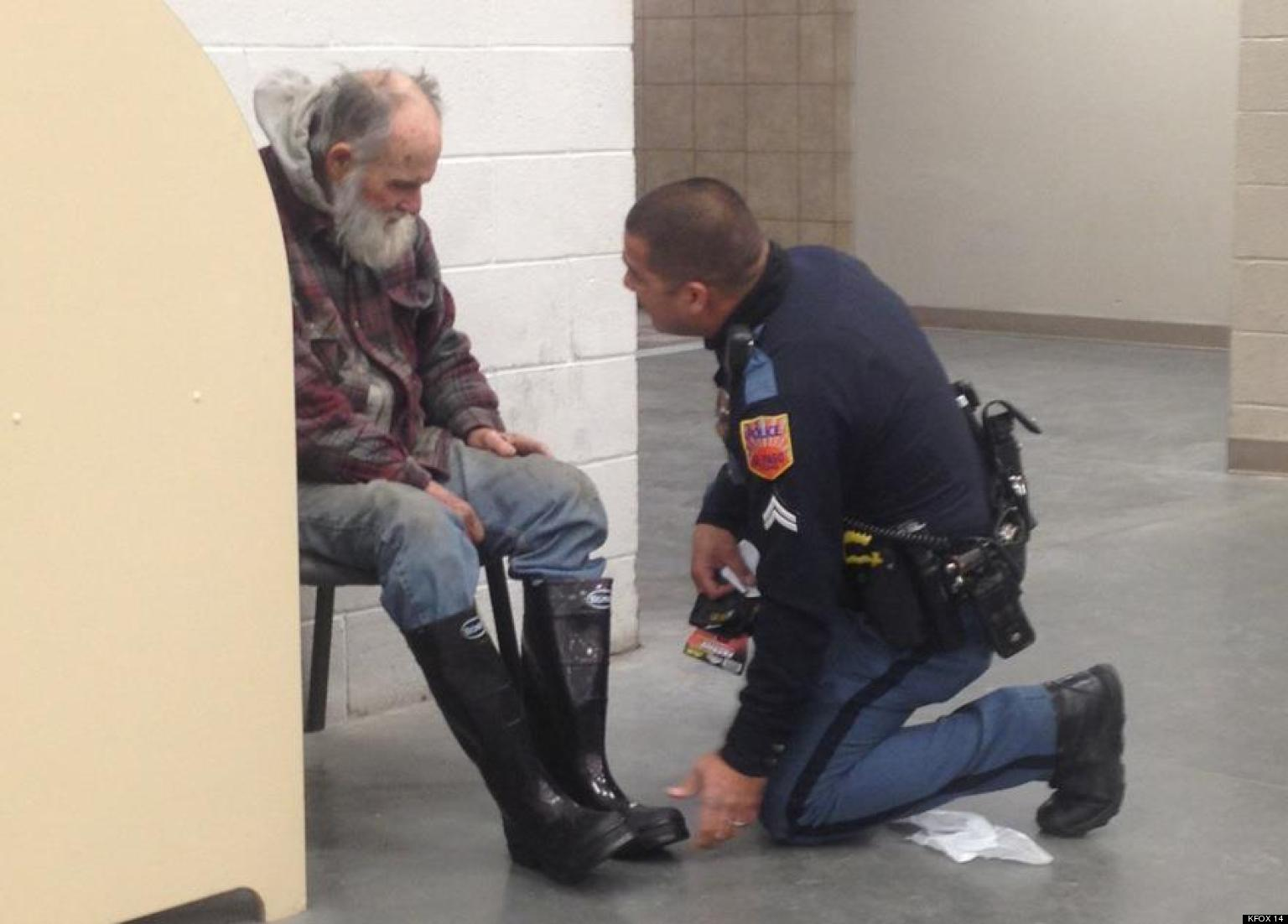 Police Officer Buys Shoes For Homeless Man