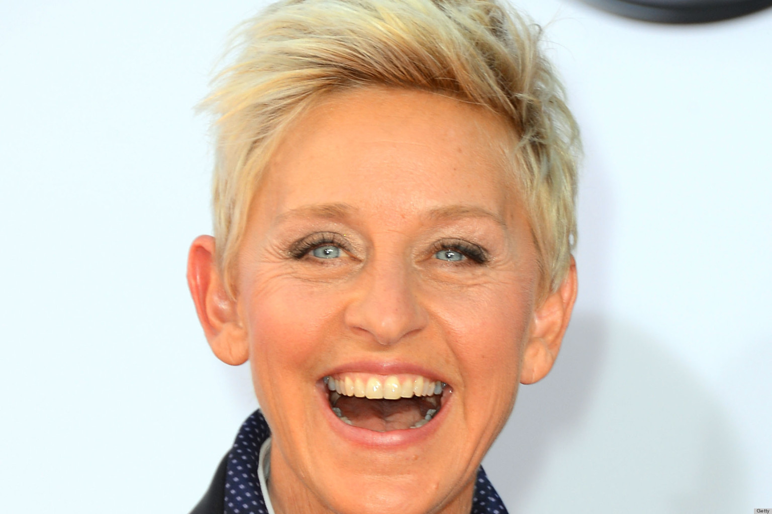 Ellen DeGeneres Style Evolution: From Baggy Blazers To Tailored Suits ...