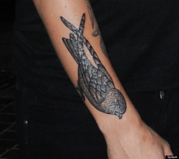 louis tomlinson new bird tattoo