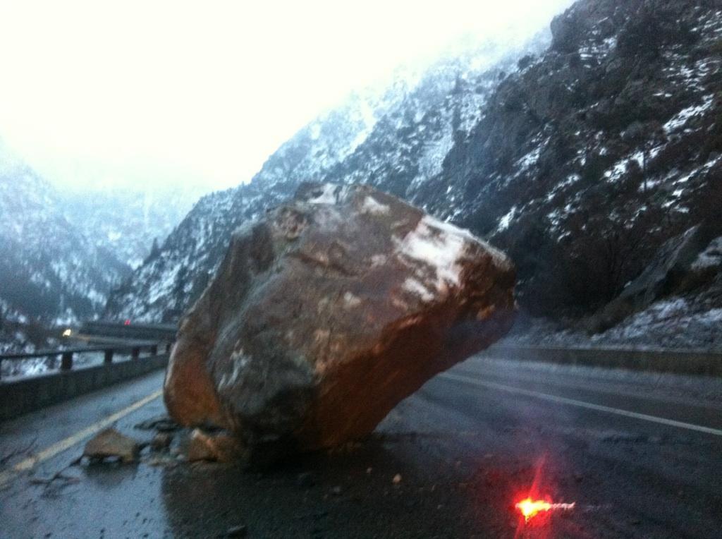large boulder falls i 70