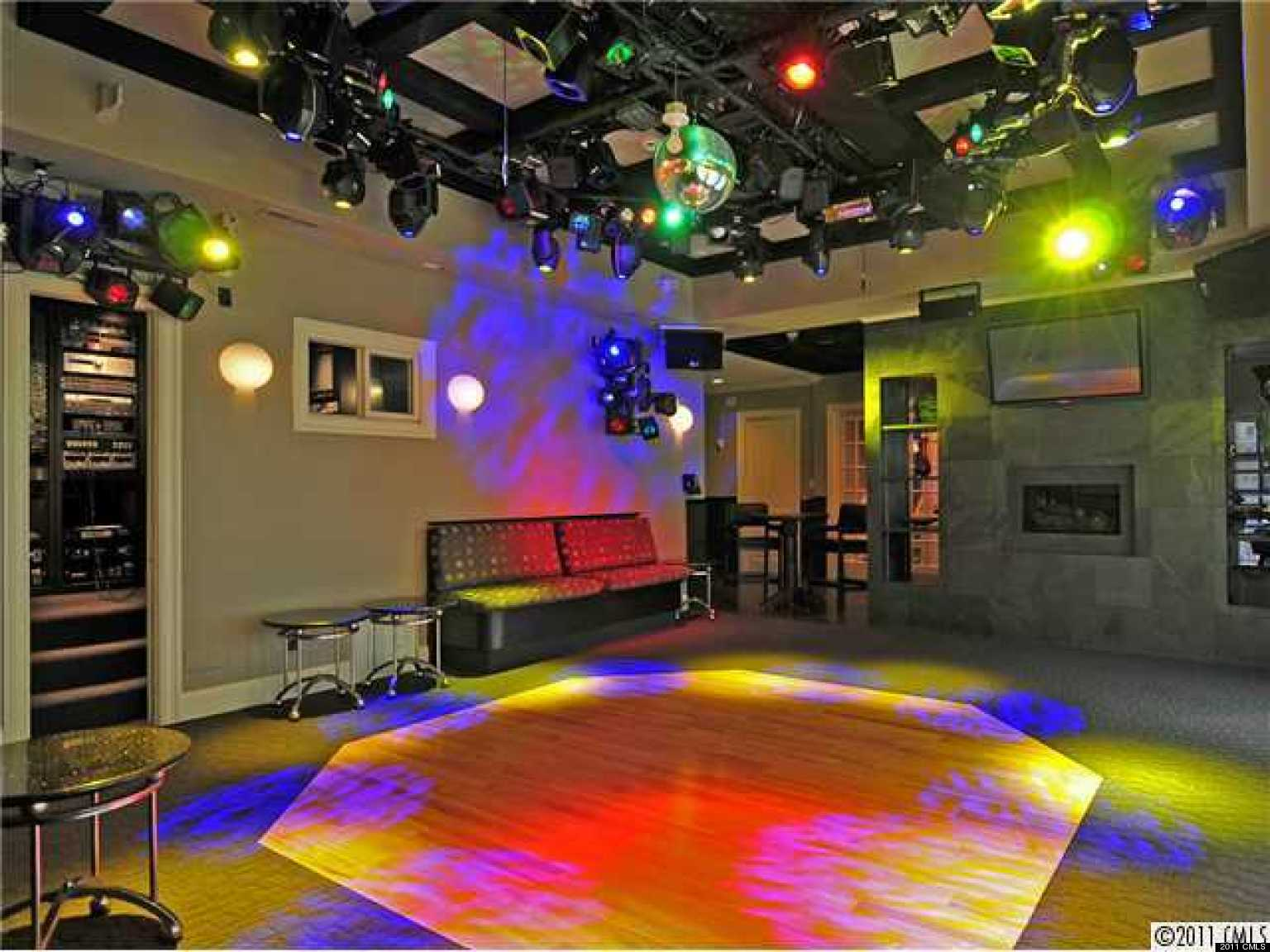 home decorators club 4 homes masquerading as clubs and nightclubs photos 10283