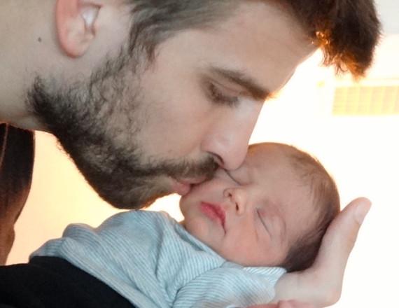Primera foto bebé Shakira: Piqué y ella ceden la instantánea de