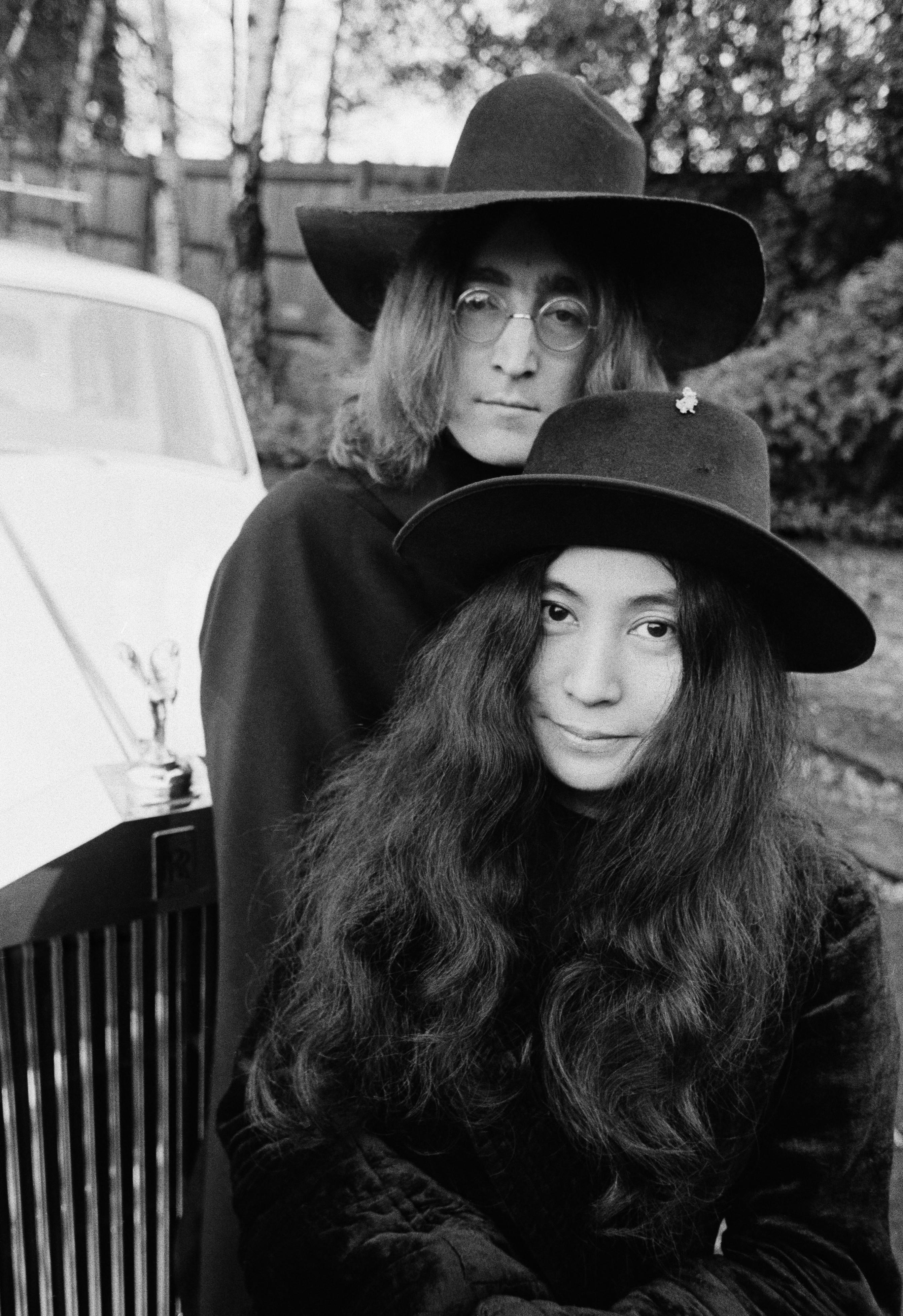 Yoko Ono And John Lennon John Lennon And Yoko O...