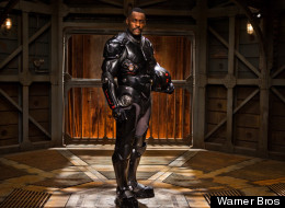 PICTURES: Idris Elba Stars In 'Pacific Rim'