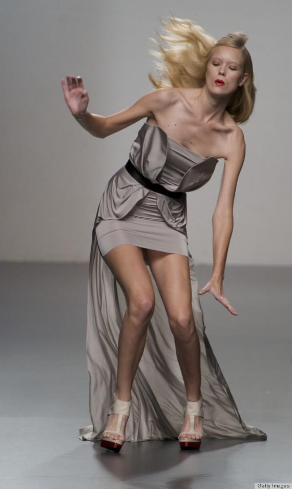 model falling