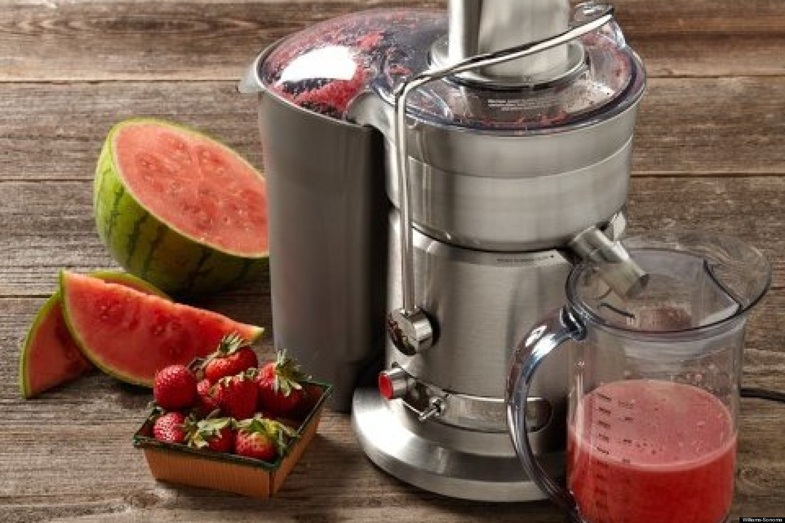 Difference Between Slow Juicer And Cold Press : Juicer Types: The Difference Between Cold Press Juicers vs. Centrifugal Juice Extractors HuffPost