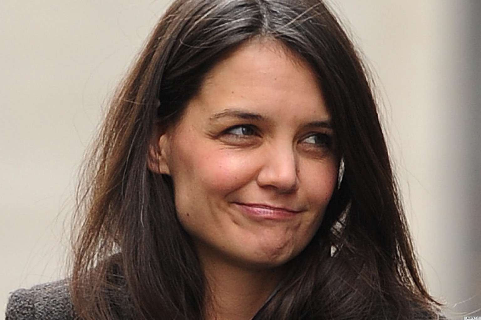 Katie Holmes Goes Barefoot At Fashion Week