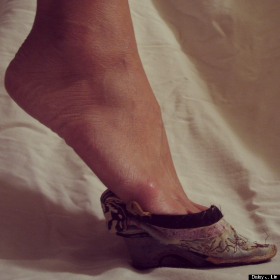 foot binding shoe