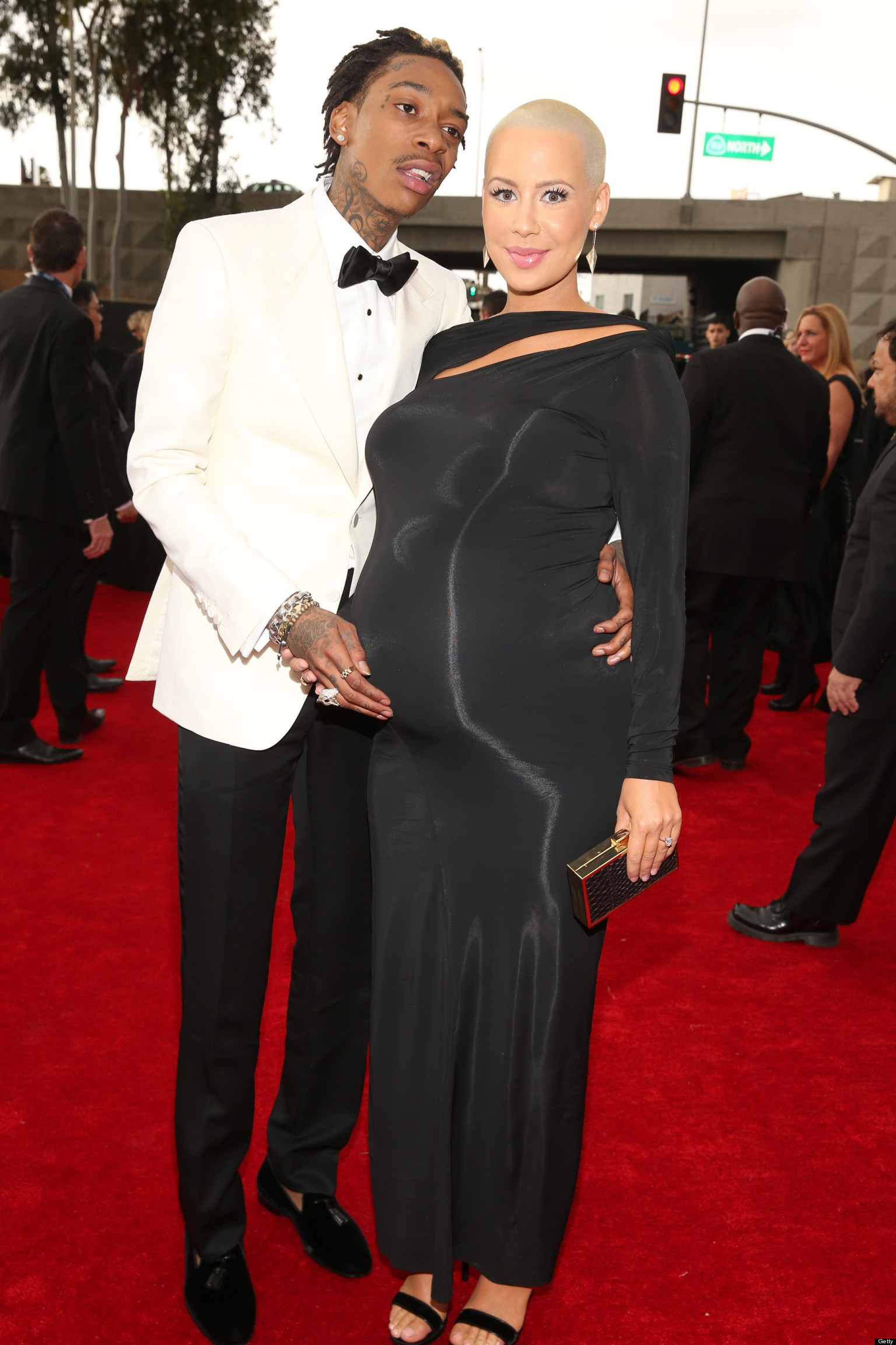 Baby Car Shade >> Amber Rose Grammys 2013: Singer Shows Major Baby Bump On ...