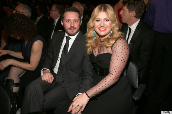 kelly clarkson grammys dress 2013