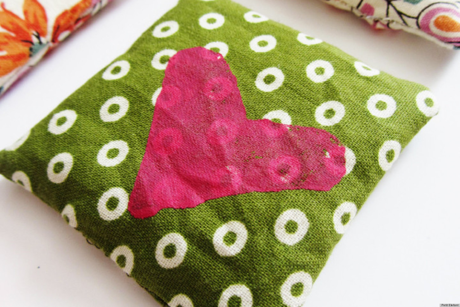 Valentine's Day Gift Ideas: DIY Hand Warmers To Chase The Cold ...