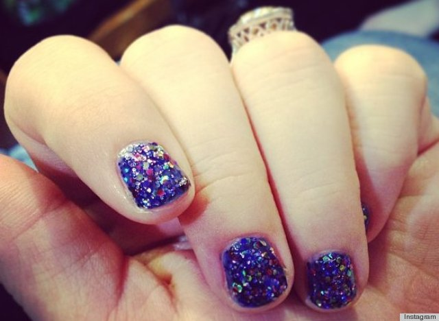 kelly clarkson nail polish color grammys 2013