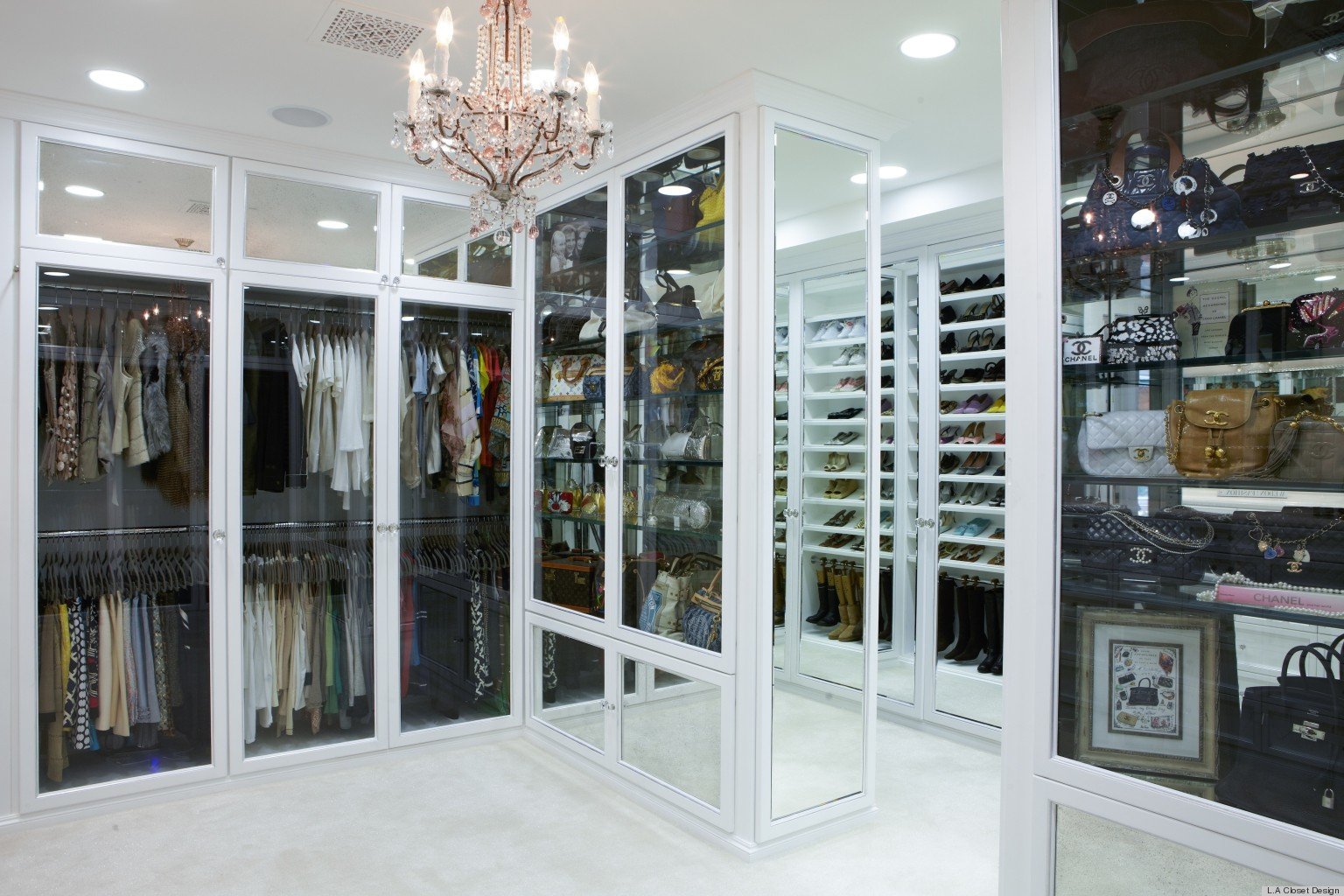 Rochelle maize 39 s 100 000 closet designed by lisa adams for Best walk in closets in the world