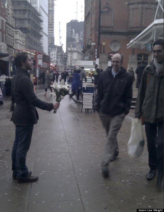 strangers get flowers london
