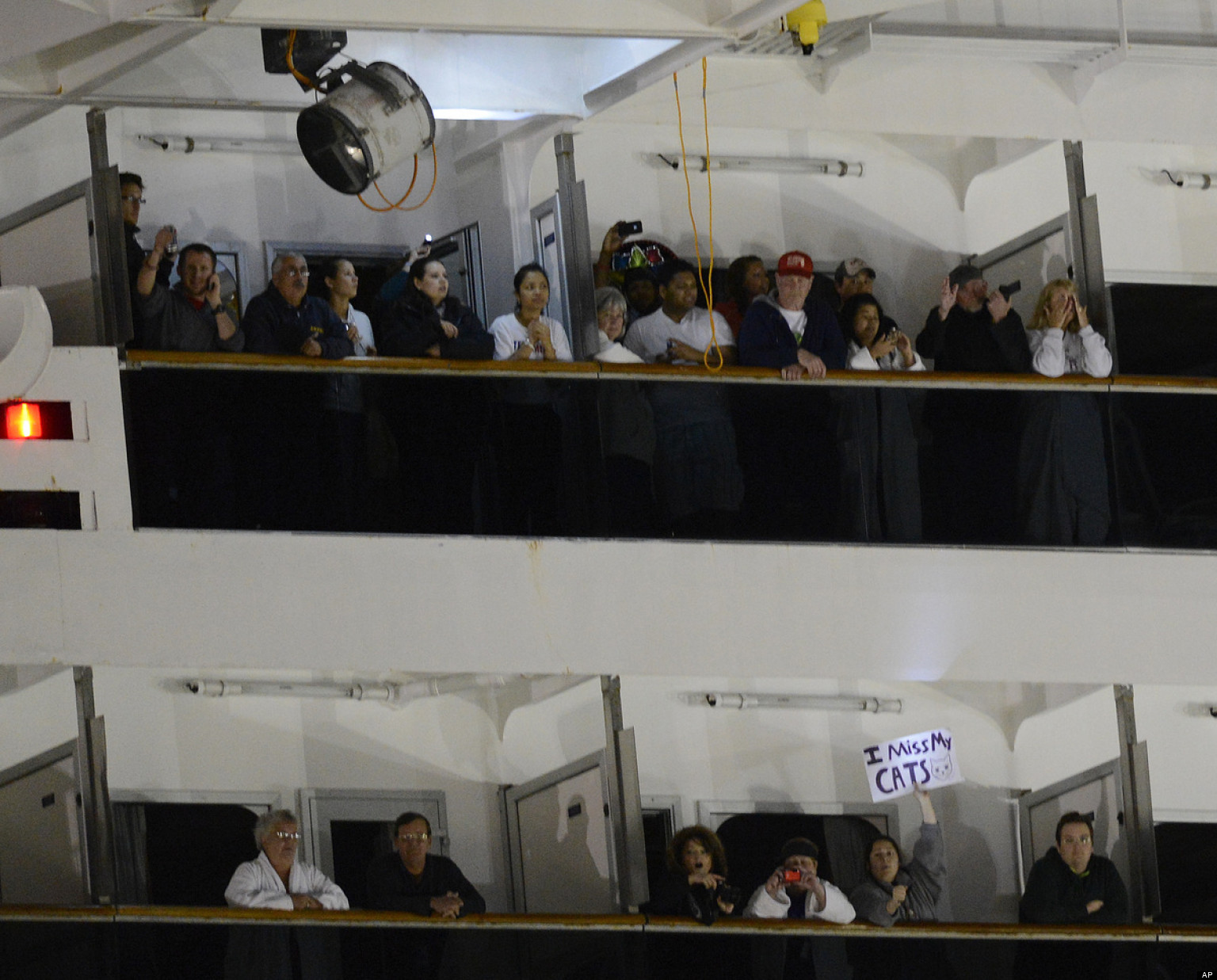 Carnival Triumph Funniest Passenger Signs On Arrival In Mobile Alabama Huffpost
