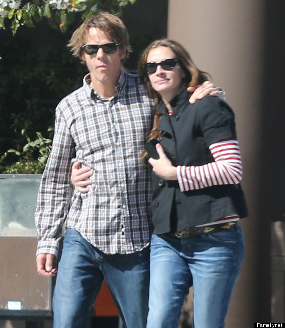 Julia Roberts Danny Moder Share Rare Pda Moment Photo