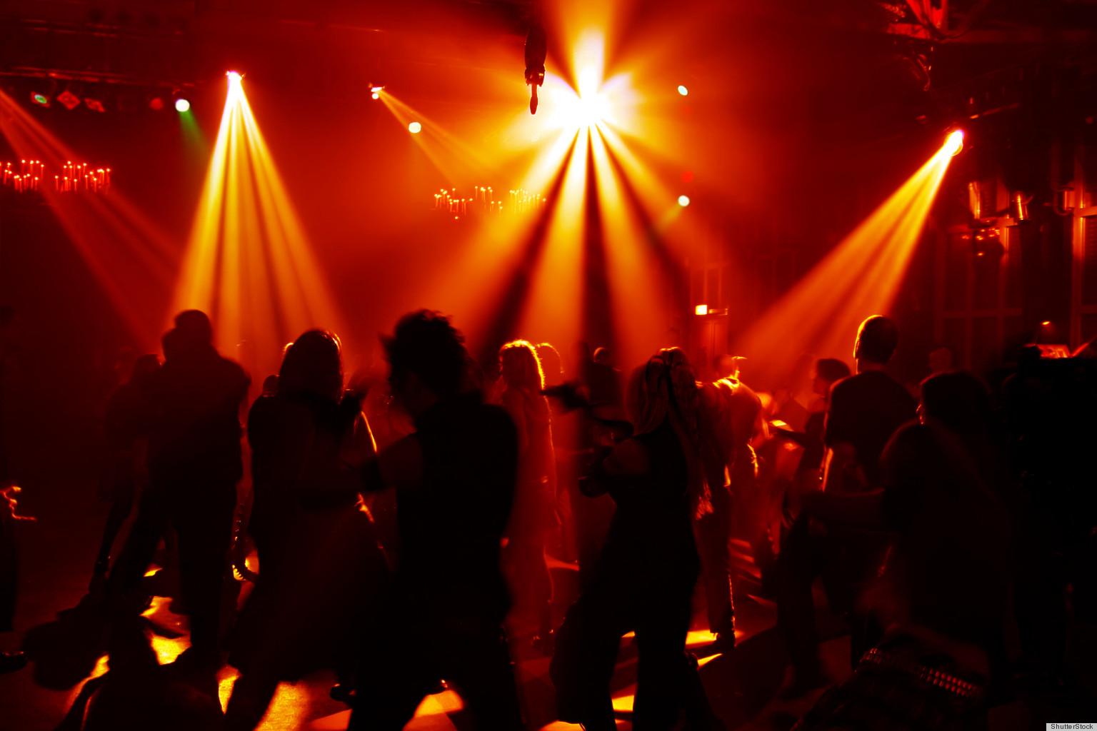 Развратный конкурс в ночном клубе в крыму 4 фотография